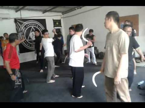 PENCAK SILAT CHAKRA-V (seminar Are' Seka') by youtube